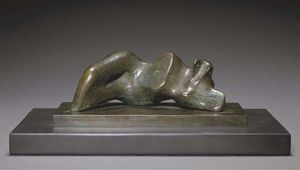 Henry Moore - Reclining Figure; Ombelico